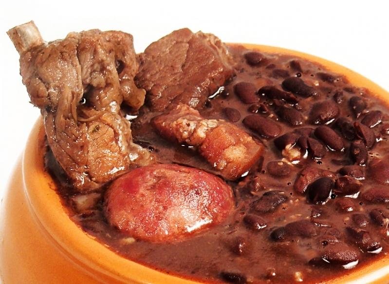 Buffets de Feijoada em SP na Chácara Pouso Alegre - Buffet de Feijoada para 100 Pessoas